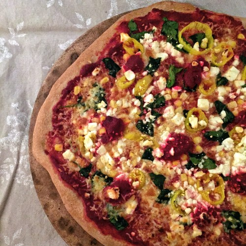 This delicious, healthy pizza is made with pureed beets instead of tomato sauce. Absolutely delicious, and a favorite of elite runner @tinamuir88